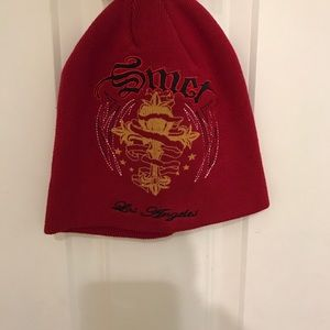 """Smet """"born in the street"""" red beanie hat"""